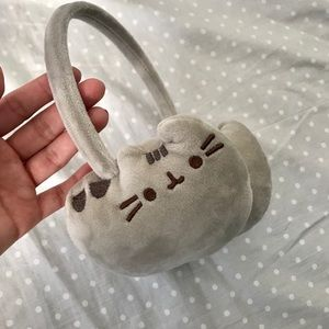 {Pusheen} Ear Muffs